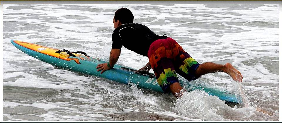 narrabeen-surfer